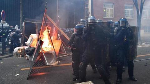У Франції нова хвиля протестів через закон про захист поліції
