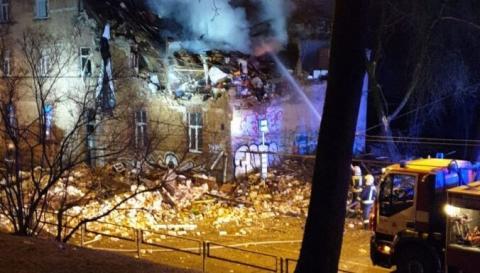 У Ризі в результаті вибуху в житловому будинку загинула людина, шестеро постраждали