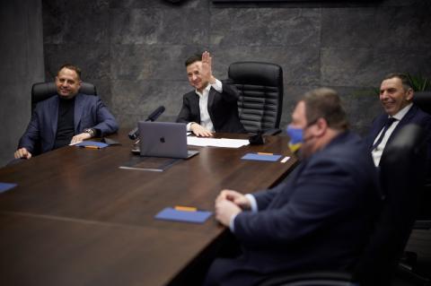 Уперше в історії Президент поспілкувався з українськими полярниками в режимі реального часу
