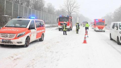 Через снігопади в Німеччині скасований рух потягів і матчі Бундесліги