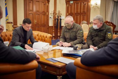 Президент доручив перевірити всі мінно-вибухові загородження на дорогах і шляхах сполучення в зоні проведення ООС