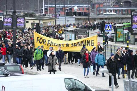 У Швеції розігнали першу велику демонстрацію проти коронавірусних обмежень