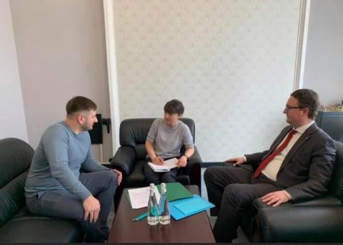 Консультативна рада з питань забезпечення прав і свобод захисників України пропонує Президенту створити Консультаційні центри в обласних і районних держадміністраціях