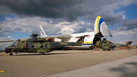 Українські Ан-124 вивозять військовий контингент Німеччини з Афганістану