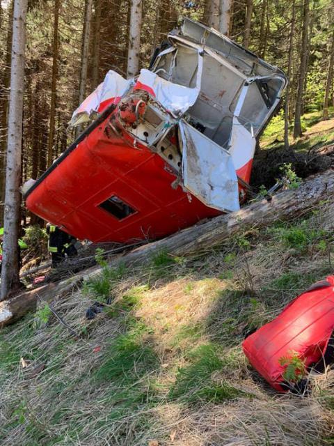 Обрив кабіни на канатній дорозі в Італії: кількість загиблих зросла до 9