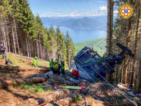 Обрив кабіни на канатній дорозі в Італії: кількість загиблих досягла 14