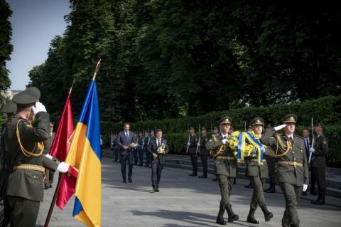 Володимир Зеленський ушанував пам'ять загиблих у Другій світовій війні