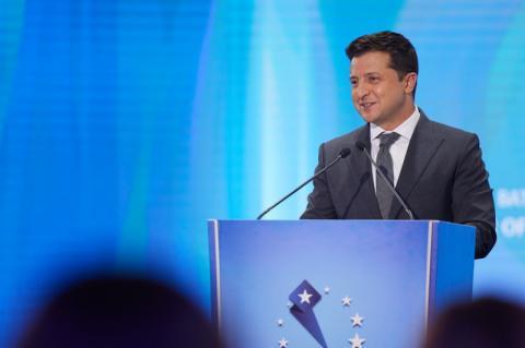 Якщо ЄС не продемонструє залізну підтримку європейських прагнень України, Грузії та Молдови, то дехто продемонструє залізні м'язи біля наших кордонів – Президент