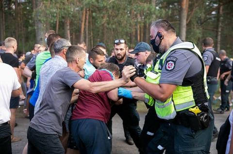 У Литві стались сутички між незгодними з розміщенням мігрантів і поліцією