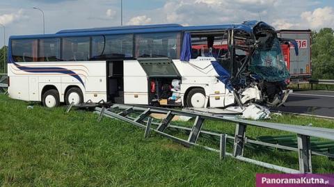 У Польщі автобус з дітьми зіткнувся з вантажівкою, 12 постраждалих