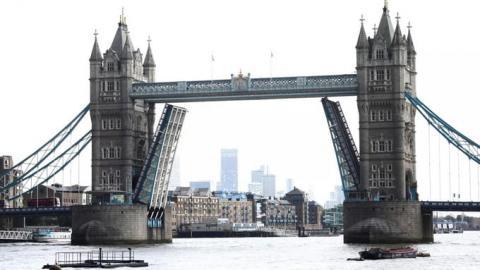 Тауерський міст у Лондоні через технічні проблеми не могли опустити 12 годин