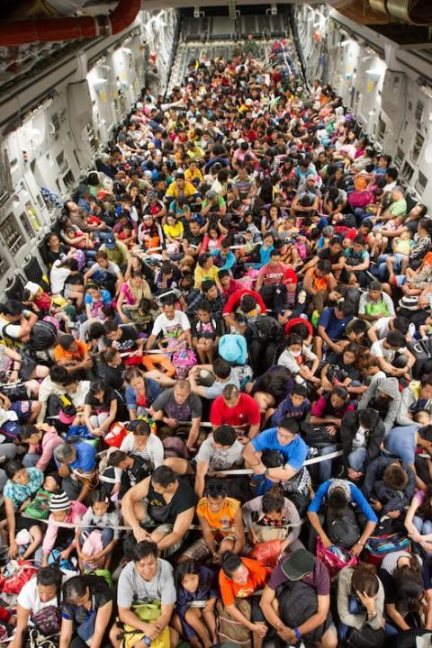 Військово-транспортний літак США евакуював з Кабула 640 людей за один політ