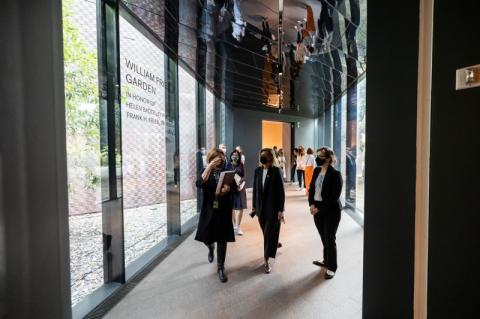 Олена Зеленська ініціювала підписання меморандуму про роботу над україномовними аудіогідами з комплексом «Музей образотворчого мистецтва Сан-Франциско»