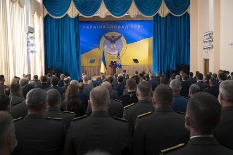 Президент: Сьогодні українській воєнній розвідці весь світ аплодує стоячи