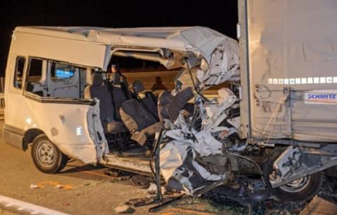 У ДТП мікроавтобуса і вантажівки в Угорщині загинули українці