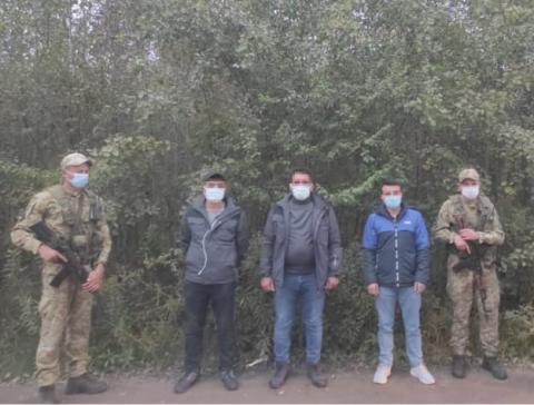 Українські прикордонники затримали трьох громадян Туреччини: намагались незаконно потрапити у ЄС