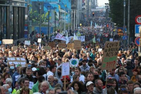 У Брюсселі десятки тисяч людей вийшли на марш за протидію кліматичним змінам