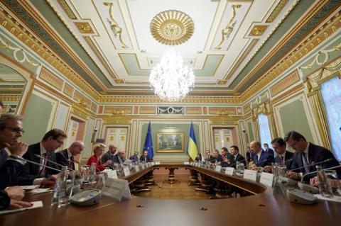Україна та ЄС єдині в тому, що відповідальність за відсутність прогресу в мирному врегулюванні на Донбасі повністю лежить на Росії – Володимир Зеленський