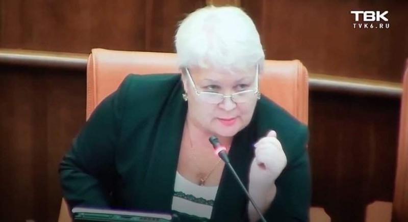 Стеж за базаром: російська чиновниця від культури «культурно» закрила рот колезі