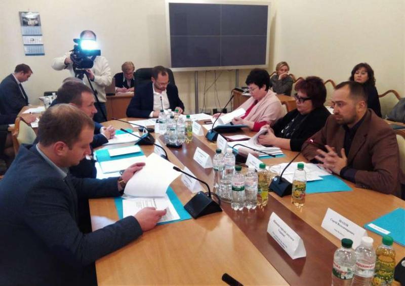 Комітет з питань Регламенту та організації роботи Верховної Ради розглянув проекти законів щодо порядку обговорення та офіційного опублікування законів України