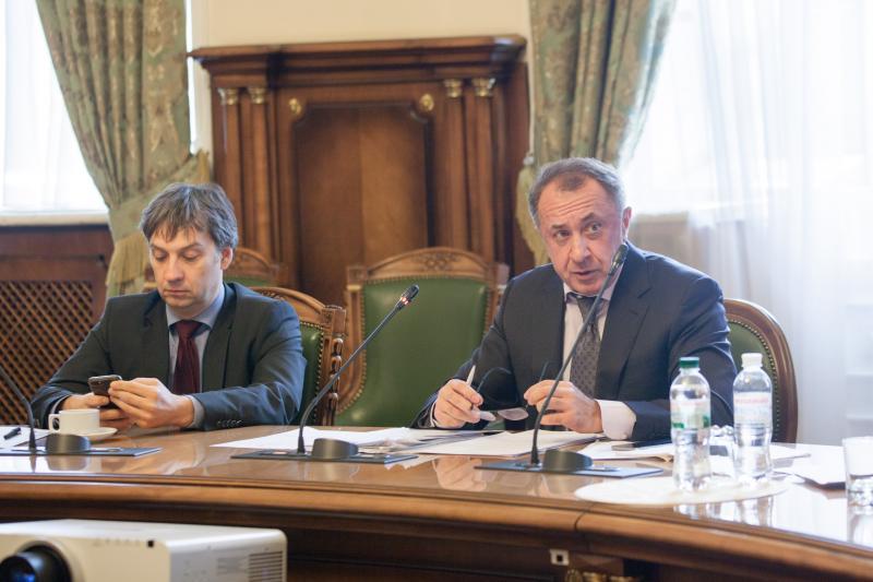 Рада Національного банку України проаналізувала вплив політики державних запозичень та податкової політики на стан грошово-кредитної сфери України