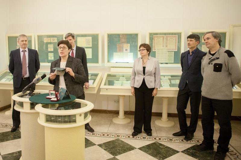 """Національний банк презентував пам'ятну монету """"50 років Світовому Конґресу Українців"""""""