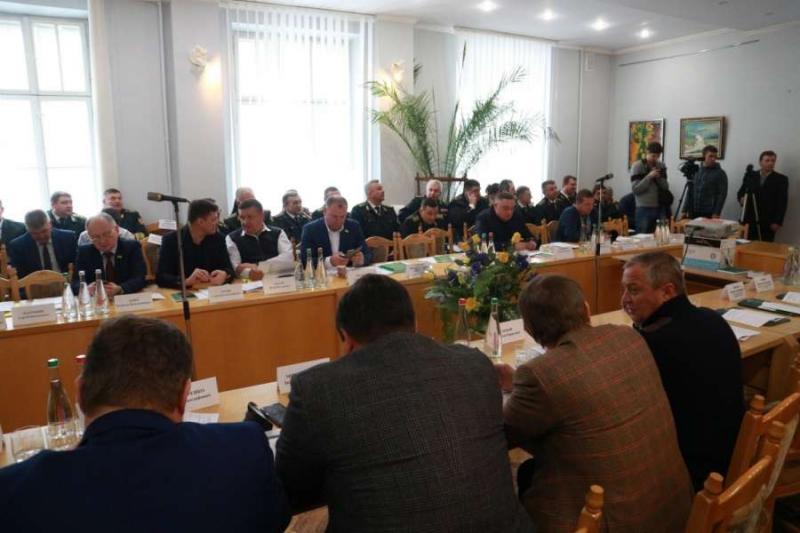 Комітет з питань аграрної політики та земельних відносин провів виїзне засідання у Національному лісотехнічному університеті України у м.Львів