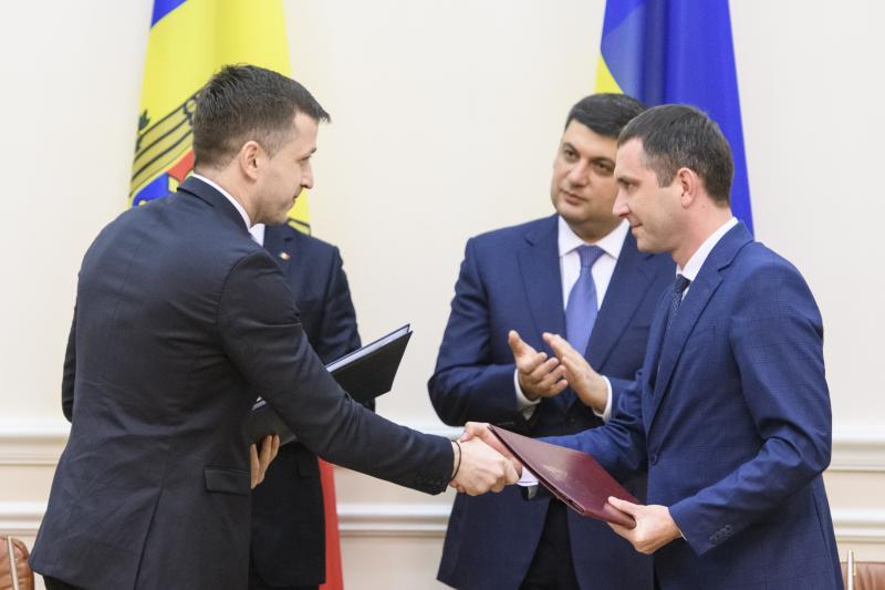 Лібералізація міжнародного автомобільного та повітряного сполучення між Україною та Республікою Молдова відкриває можливість стрімкого розвитку ринків обох країн, - Юрій Лавренюк