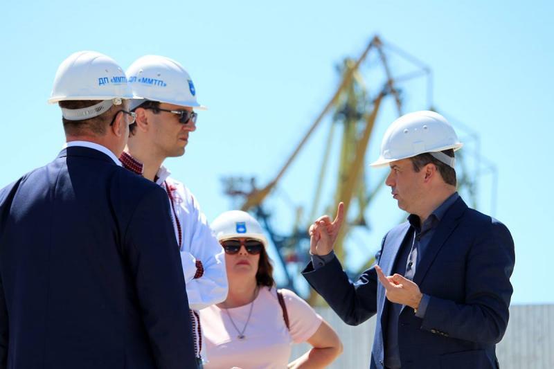 Розвиток інфраструктури Маріуполя - інвестиція в національну безпеку, - Володимир Омелян