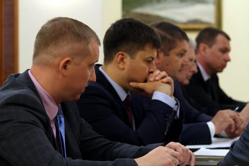 Успішний запуск концесії Херсонського морського торговельного порту – це ключове завдання, – Володимир Омелян