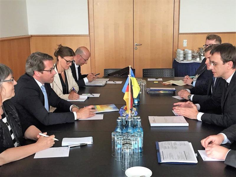 Міністр інфраструктури України Володимир Омелян провів зустріч із Міністром транспорту ФРН Андреасом Шойером