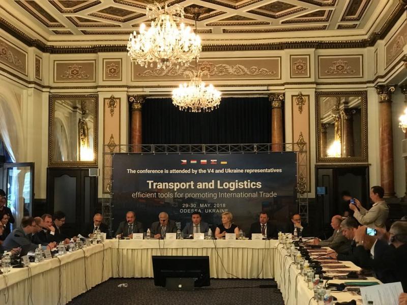29-30 травня 2018 року заступник Міністра інфраструктури з питань європейської інтеграції Віктор Довгань взяв участь у Міжнародному тижні з торгівлі і транспорту в м.Одеса