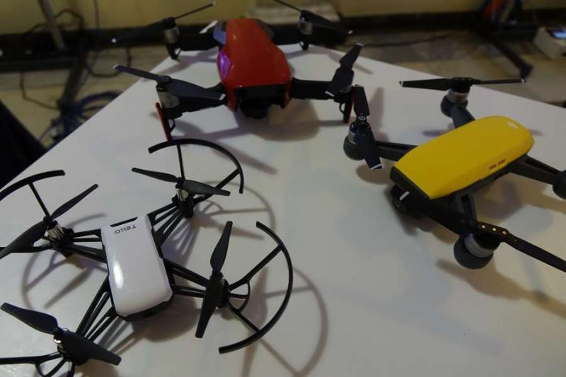 В кулуарах парламенту проходить виставка-презентація сучасних безпілотних технологій