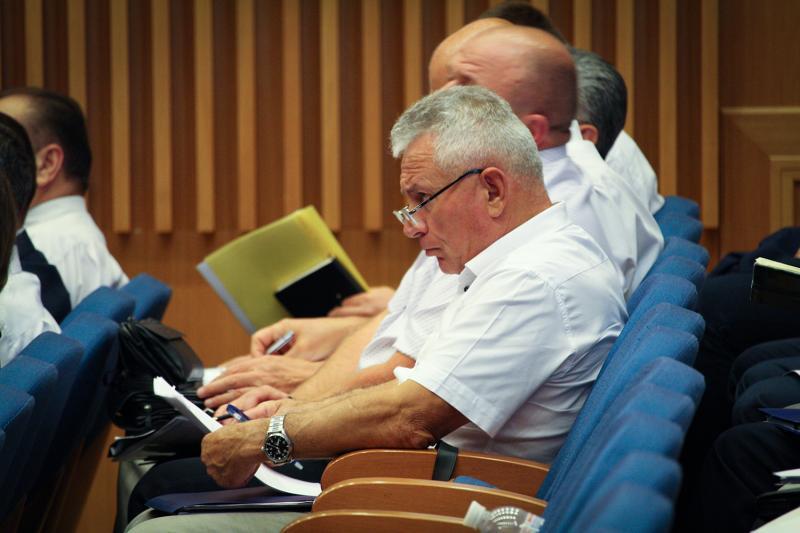 Володимир Омелян зібрав представників областей для обговорення ходу дорожнього будівництва в Україні