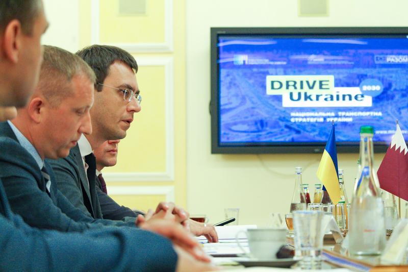 Міністр інфраструктури України Володимир Омелян провів зустріч із Міністром транспорту та комунікацій Держави Катар Д. Аль Сулейті