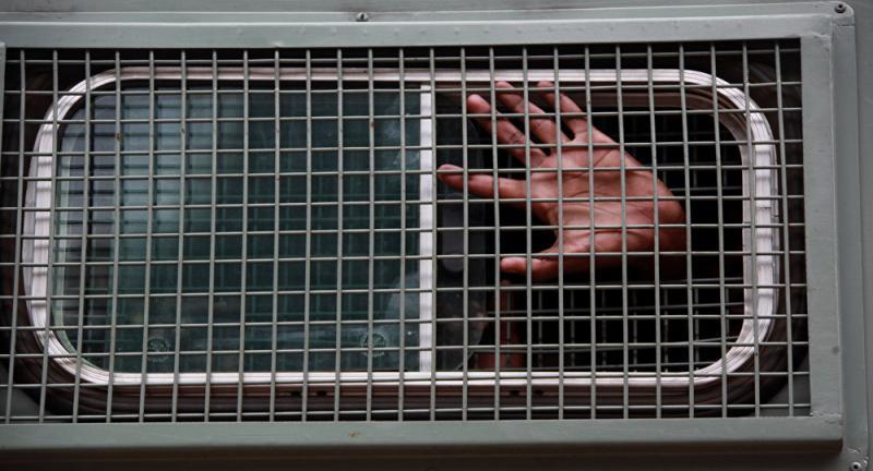 В Ірпінському суді підсудних утримують в автозаках, — омбудсмен