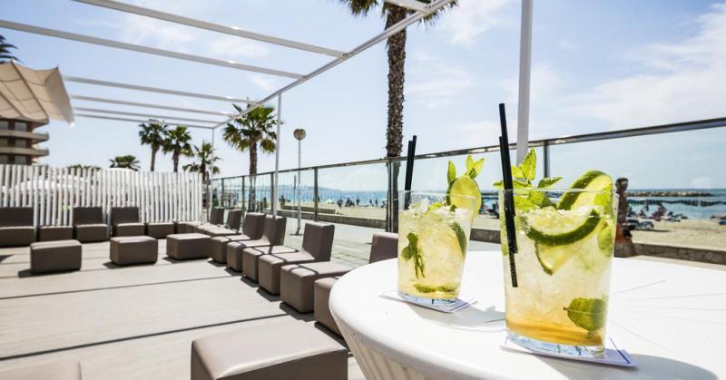 На курортах Іспанії боротимуться з пияцтвом серед туристів
