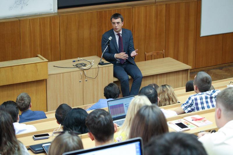 Міністр інфраструктури України Володимир Омелян зустрівся зі студентами