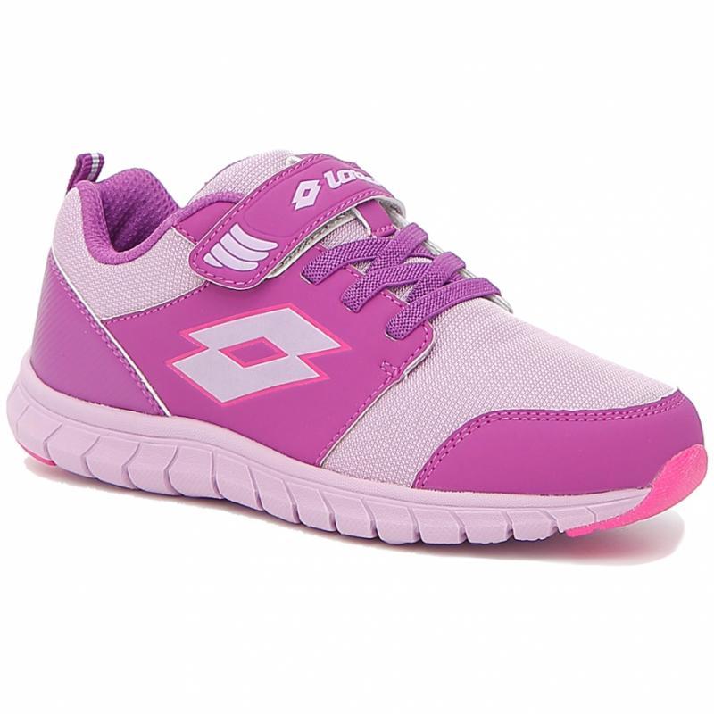 b2b8cb89ce741d Головне – не економити: фахівці дали поради, як обрати якісні та  універсальні кросівки ®