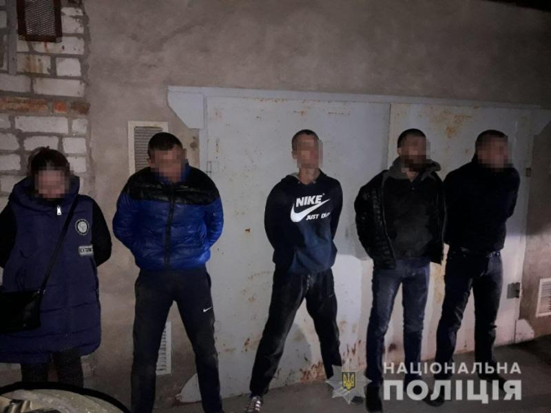 У Миколаєві підірвали будівлю задля пограбування банкомату: затримано банду з 5 осіб