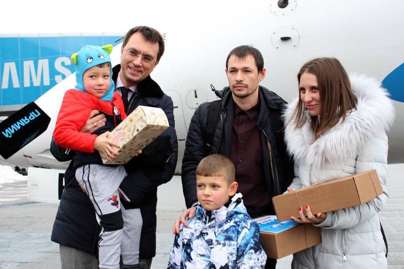 Володимир Омелян привітав 20-мільйонного пасажира. Ним став семирічний Дмитро