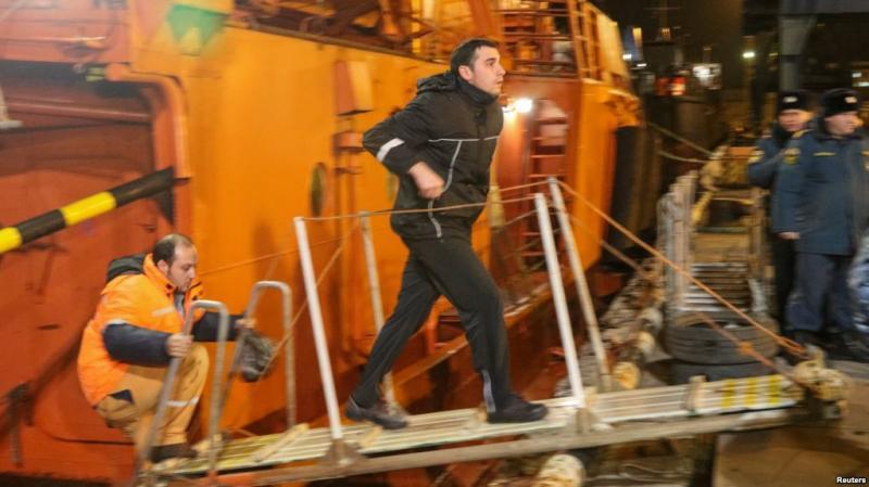 Біля Керченської протоки горіли кораблі