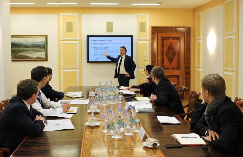 Володимир Омелян провів зустріч з членами Наглядової ради АТ «Укрпошта»