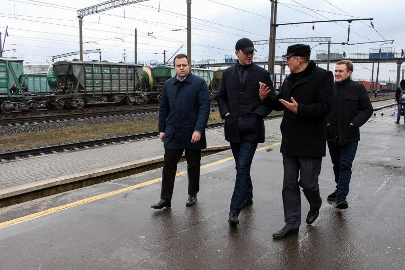 Все починається з доріг: і якісна економіка, і ефективна держава, - Володимир Омелян під час робочої поїздки до Рівненської області