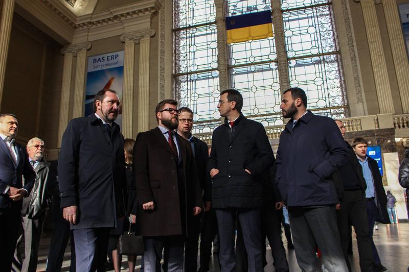 Київський вокзал має стати центральним об'єктом транспортної інфраструктури Києва, - Володимир Омелян