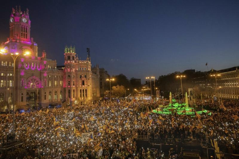 В Мадриді пройшов багатотисячний марш на підтримку каталонських політиків