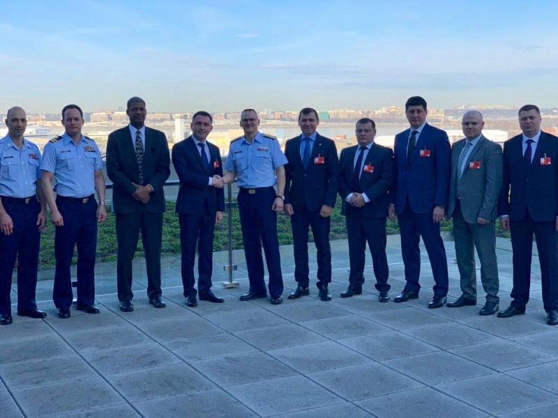 Заступник Міністра інфраструктури Юрій Лавренюк відвідав штаб-квартиру Берегової охорони США у Вашингтоні