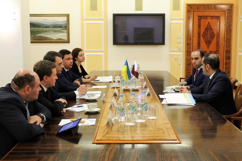Міністр інфраструктури України Володимир Омелян провів зустріч із Надзвичайним і Повноважним Послом Держави Катар в Україні Гаді Аль-Гаджрі