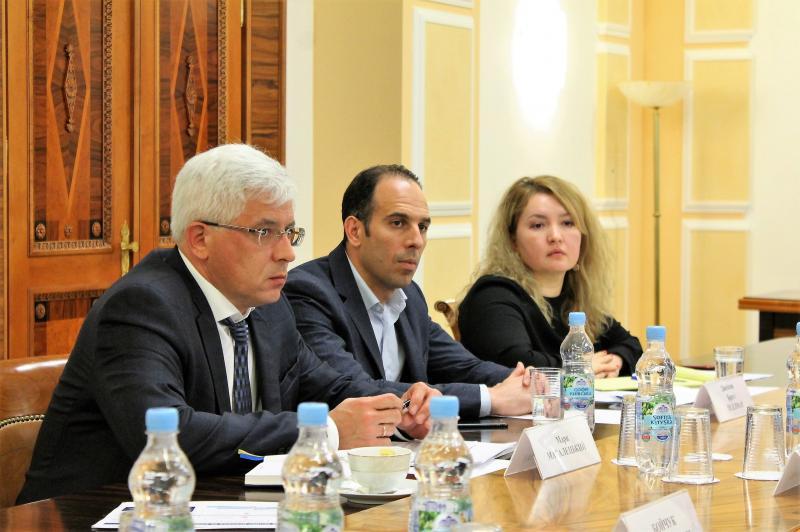 Міністр інфраструктури Володимир Омелян провів зустріч щодо поточного стану та подальших кроків реалізації концесійних проектів у портах Ольвія та Херсон