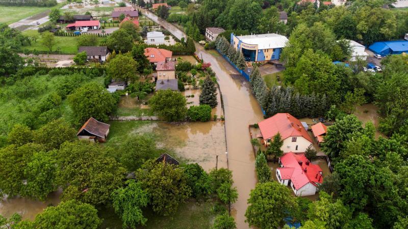 Сильні зливи спричинили численні підтоплення на півдні Польщі
